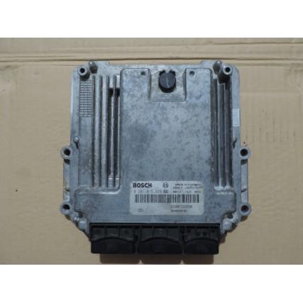 ECU Renault Laguna III 2.0 DCi - Bosch 0 281 015 323, 0281015323, 8200946162, 82 00 946